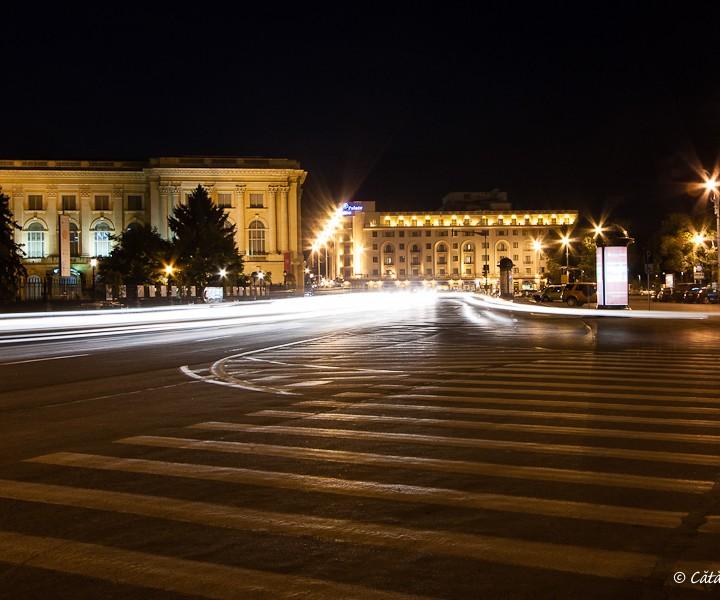 Noaptea pe calea Victoriei