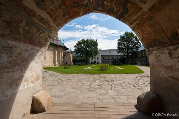 Manastirea Neamt | Fotografie de arhitectura | Catalin Enache