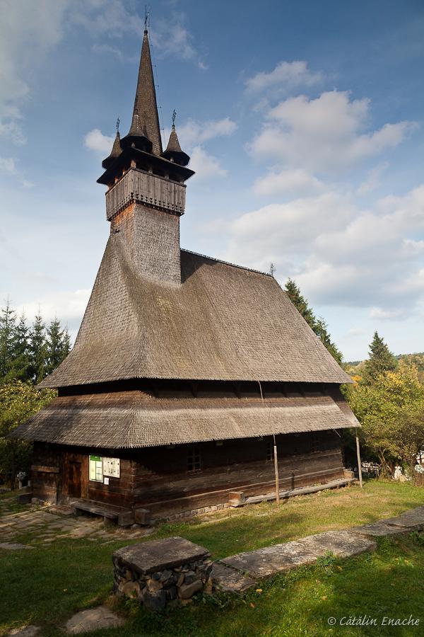 Toamna in Maramures - Biserica din Budesti