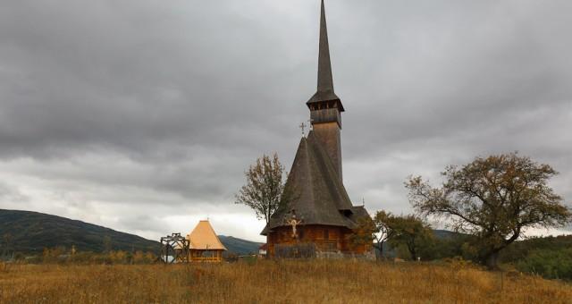 Toamna in Maramures - biserici de lemn