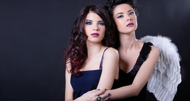 Madalina si Cristina - sesiune foto studio